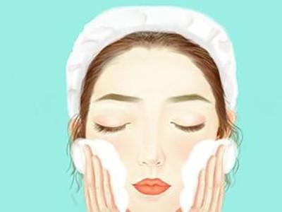 卸妆水对皮肤有伤害吗?