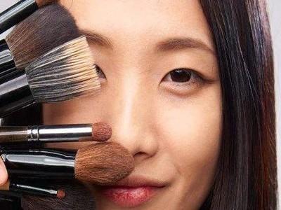 美妆厂家教你化妆不脱妆