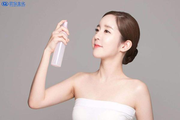 化妆水的使用技巧-欧泉生化