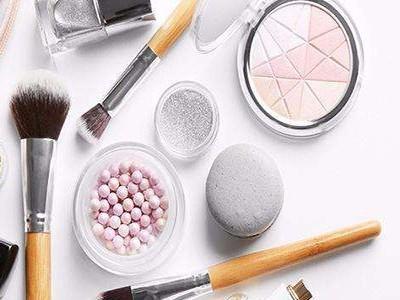 市场监管局提醒您科学选择化妆品