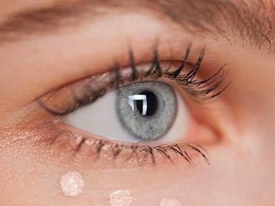 关于眼霜使用的问题