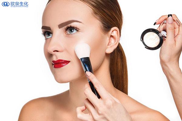经常脱妆要怎么样正确补妆-欧泉生化