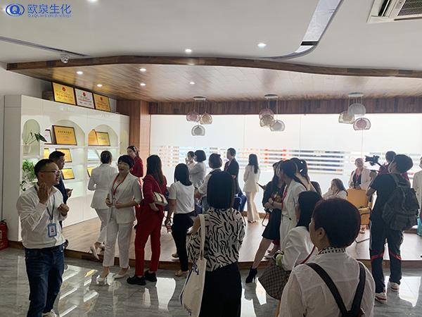 客户团队参观欧泉工厂-欧泉生化