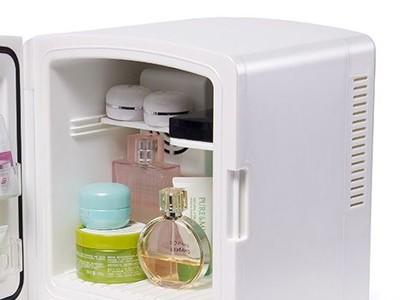 美妆厂家:化妆品放冰箱的注意事项!
