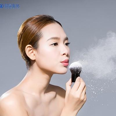 散粉和蜜粉的区别及定妆效果对比
