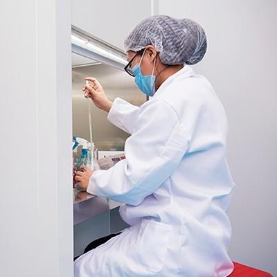 揭开化妆品OEM加工厂的研发过程