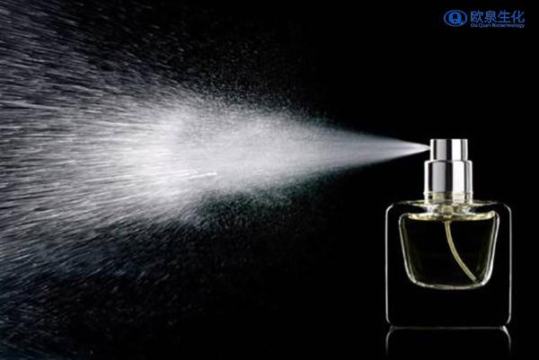 如何才能让香水香味更持久?