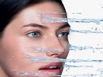 肌肤容易敏感?保湿是关键!